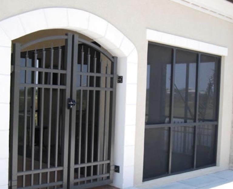 Aluminum Fence - Railing - Gates - Welcome to Ultra Aluminum™